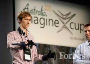 程序员安东·斯蒂帕诺夫展示Enable Talk