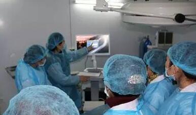 家就宫腔镜直视人流手术系统的应用与抚州华山医院专家进行交流讨