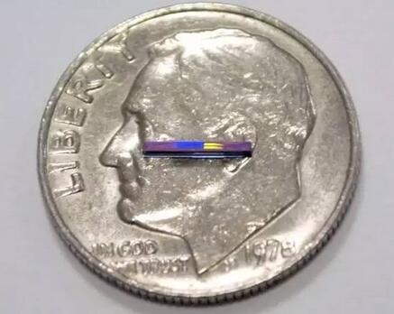 一種片上激光雷達( lidar-on-a-chip )系統,它比一角硬幣還小,沒有活動式零件,而且能以低成本進行大規模生產