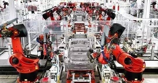 特斯拉汽车生产线采用工业机器人实现自动化