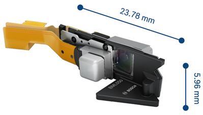 博世新款BML050包含兩個MEMS掃描鏡(X方向和Y方向),使我們能夠使用紅外激光器以及RGB激光器來感知用戶手指觸摸投影交互式顯示器的位置