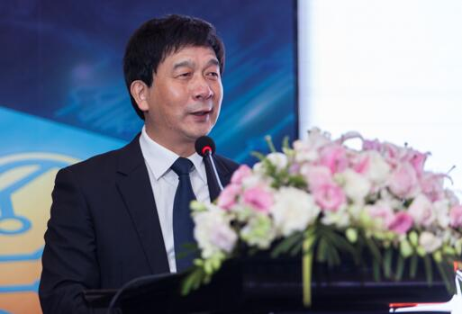 国家集成电路产业投资基金总经理、中国高端芯片联盟理事长丁文武现场演讲