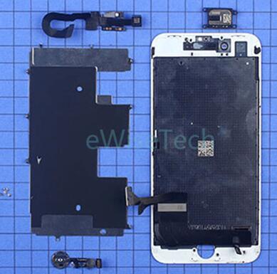 金属内支撑板与屏幕通过螺丝固定,内支撑上贴有石墨片