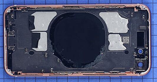 iPhone 8智能手机后壳和iPhone 8 Plus一样并非全玻璃设计