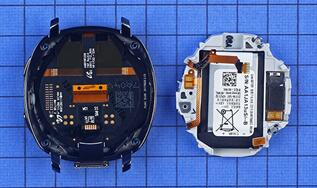 Gear Sport智能运动手表内支撑组件采用注塑工艺生产一侧集成两处天线金属弹片