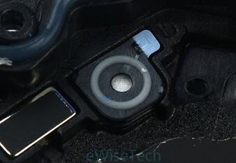 Gear Sport智能运动手表底壳内侧气压卸压孔处硅胶薄膜