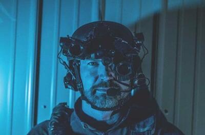可选择安装在头盔上的Armasight BMVD双目夜视产品