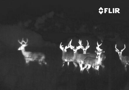 红外探测对环境的适应性优于可见光,可在夜间及恶劣环境下工作
