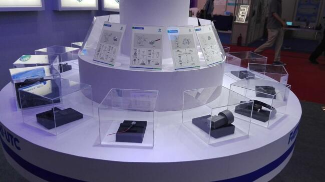 西人马展台展示的传感器