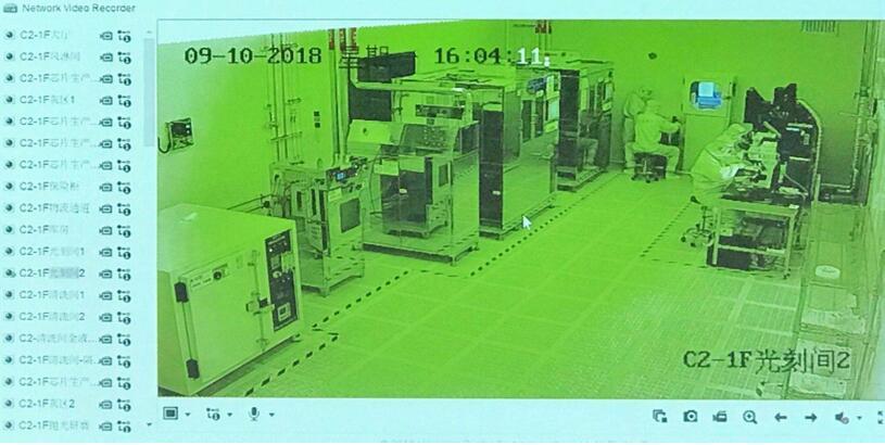 华芯半导体VCSEL生产线光刻间的实时画面