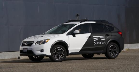 搭载Ouster公司OS-1 64激光雷达传感器的测试车辆
