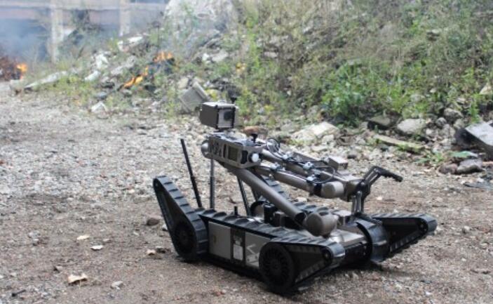 自2002年以来,已有超过4000辆Endeavor经过作战验证的PackBot被部队用于拆除路边炸弹、清除简易爆炸装置(IED),以及在世界各地的战场上执行其他危险任务