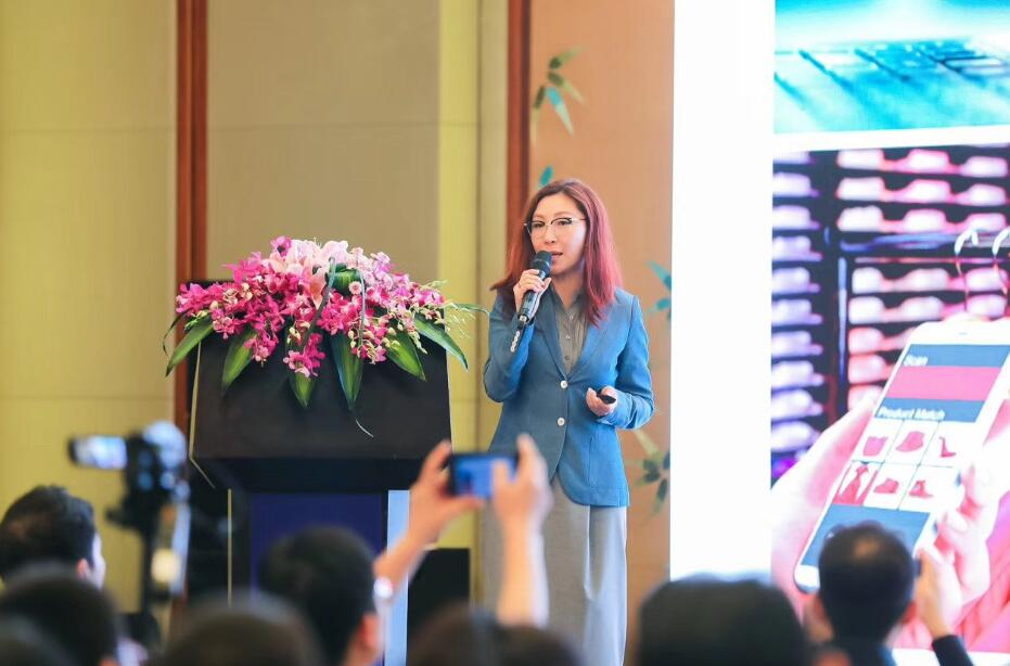 ams先进光学传感器部门执行副总裁兼总经理Jennifer Zhao