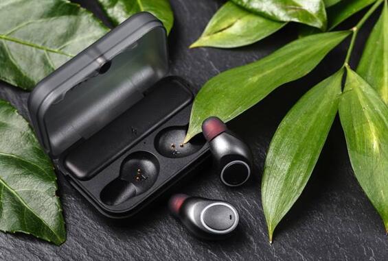 使用Nanusens的NEMS传感器可以释放耳机内的空间,以获得更大的电池和更多的传感器
