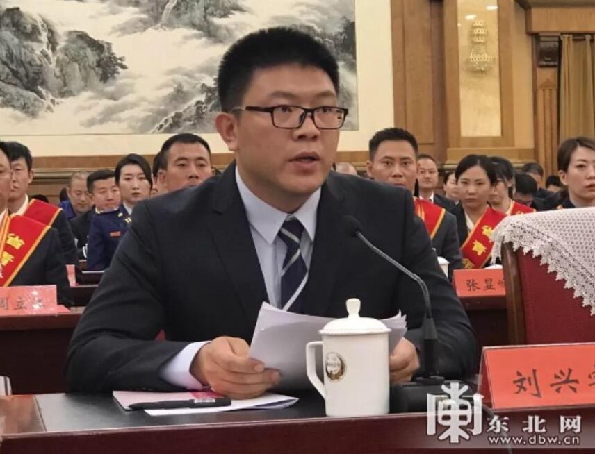 中国电子科技集团公司第四十九研究所芯片设计研发课题组组长刘兴宇在座谈会上发言