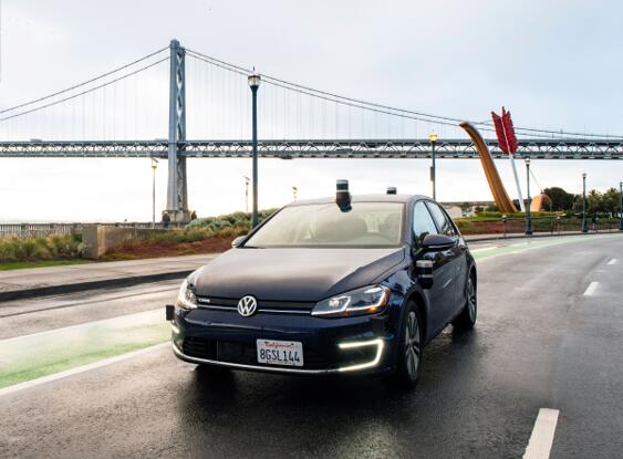 Aurora由三位自动驾驶行业资深人士领导,在匹兹堡、帕洛阿尔托和旧金山均建有团队