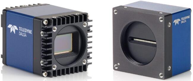 面阵相机(左)与线阵相机(右)