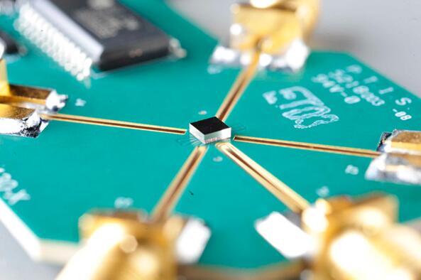 Menlo Micro最初通过制造RF开关来打磨MEMS技术