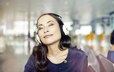 人机语音交互应用爆发,英飞凌MEMS麦克风创新发展